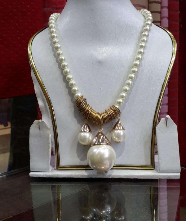 Jewellery Neck Pearl
