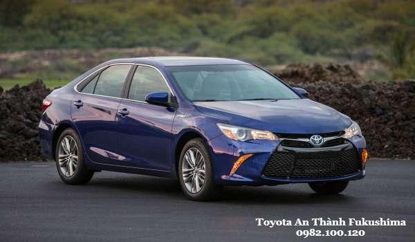 Gia xe Toyota Camry 2016 Lua chon dang gia trong phan khuc