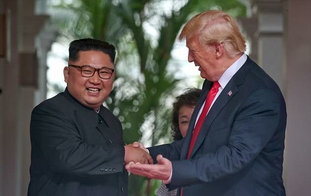 {filename}-Trump Shows Kim Jong-un His Armored Beast