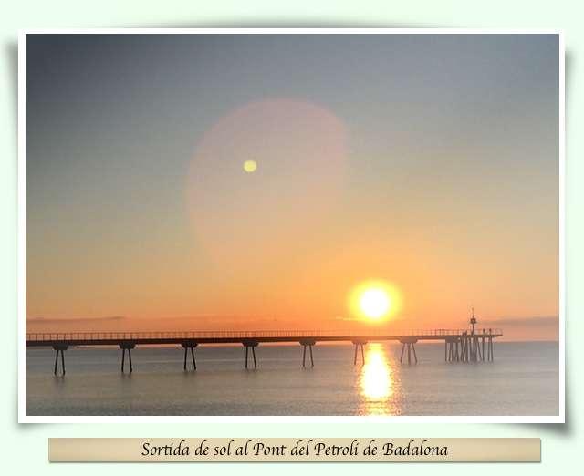 ortida de sol a la platja de Badalona