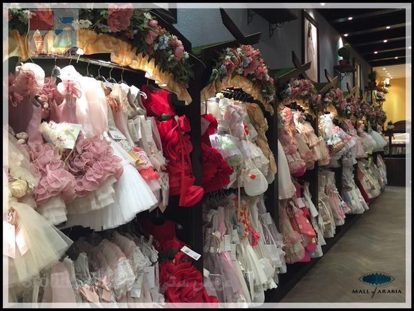 محتارة تلاقي فستان مميّز لبنتك تعالي على بيت الهدية DT9S1I.jpg