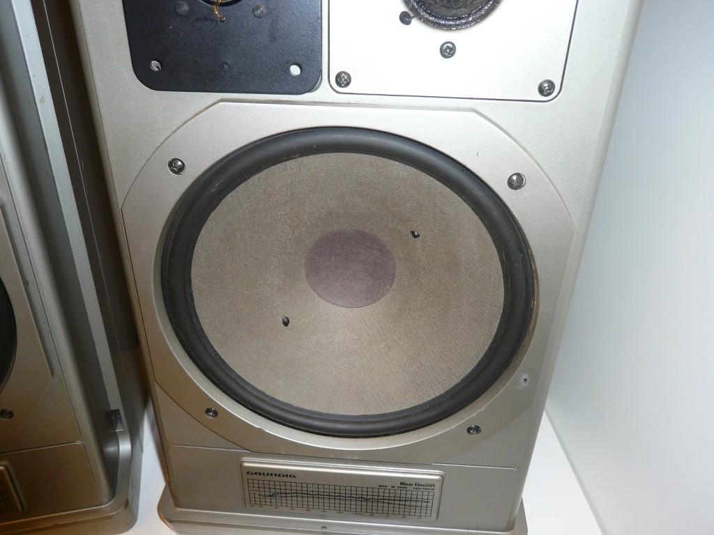 2x grundig m1500 stereo lautsprecher boxen ohne kabel. Black Bedroom Furniture Sets. Home Design Ideas