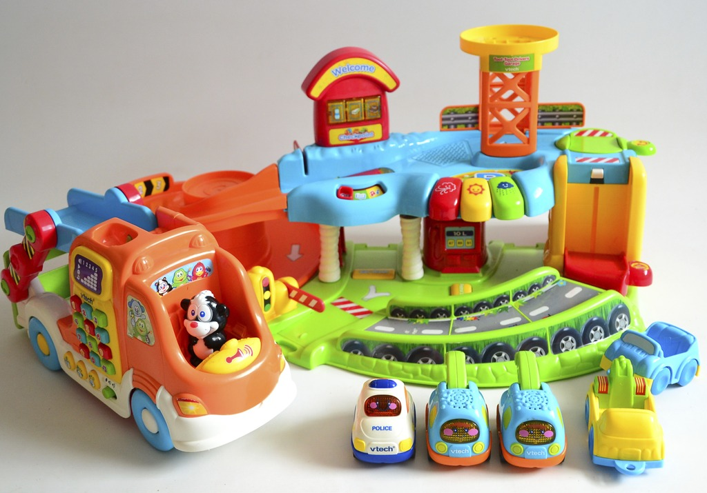 Drive Through Car Wash Cost >> Toot toot drivers garage toot toot drivers car carrier and 5 vtech cars | eBay