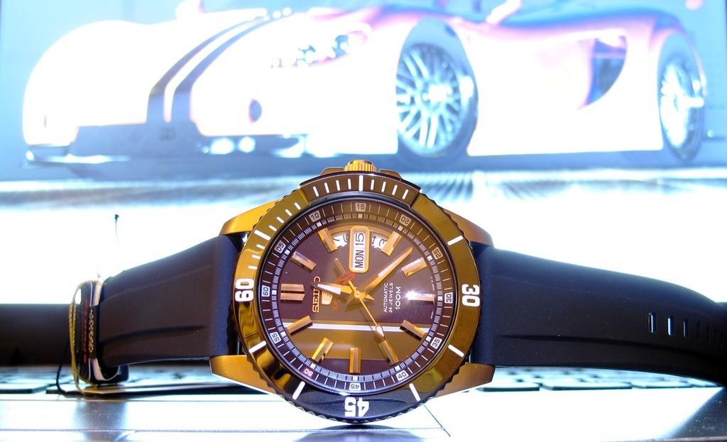 Внезапно приобрел часы, и хотел бы узнать подлинность, да еще и модель бы узнать.