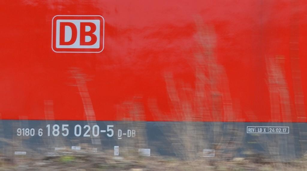 http://imagizer.imageshack.us/v2/1024x768q90/921/2X8NeI.jpg