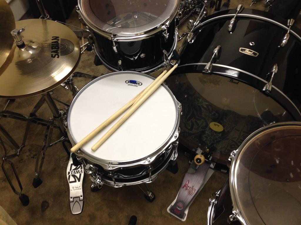 Piano Black Wood Fiberglass 26 Quot Bass Drum Kit