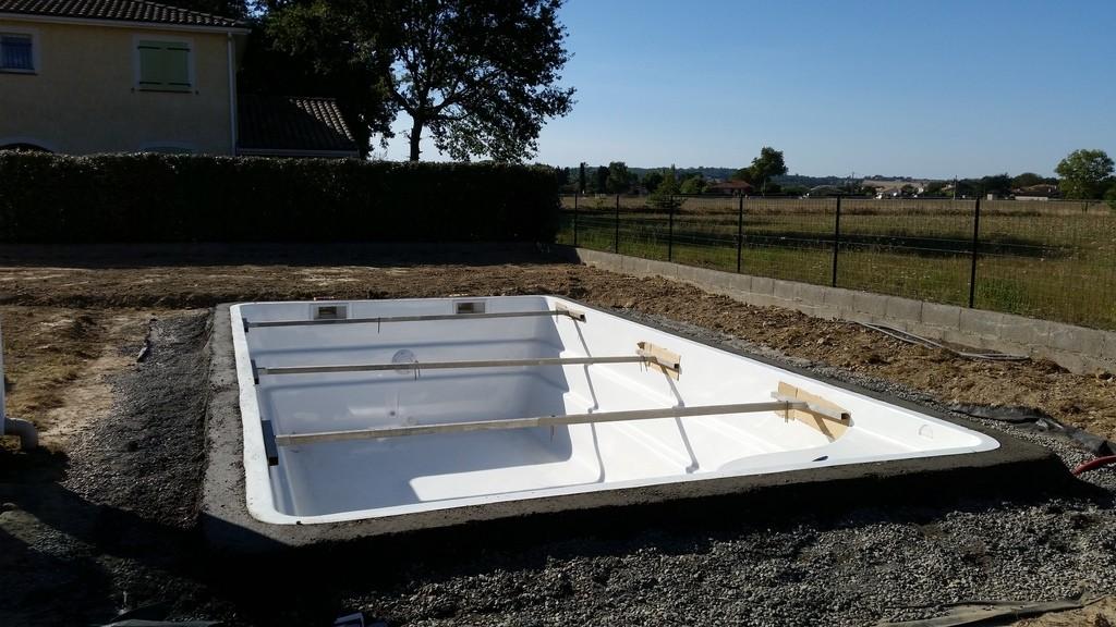 Construction d 39 une piscine coque en r gion toulousaine for Piscine coque forum