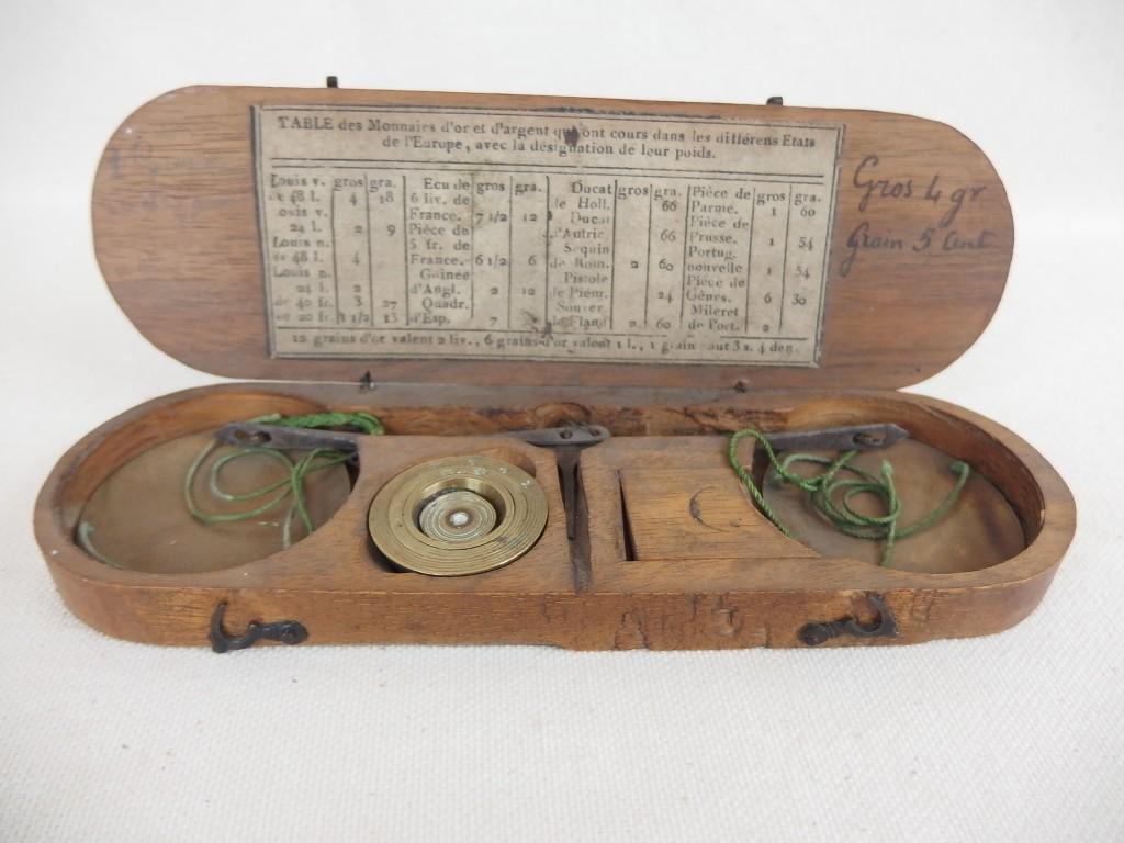 ancienne balance tr buchet coffret bois changeur d 39 or 18 xviii antique scale 3 ebay. Black Bedroom Furniture Sets. Home Design Ideas