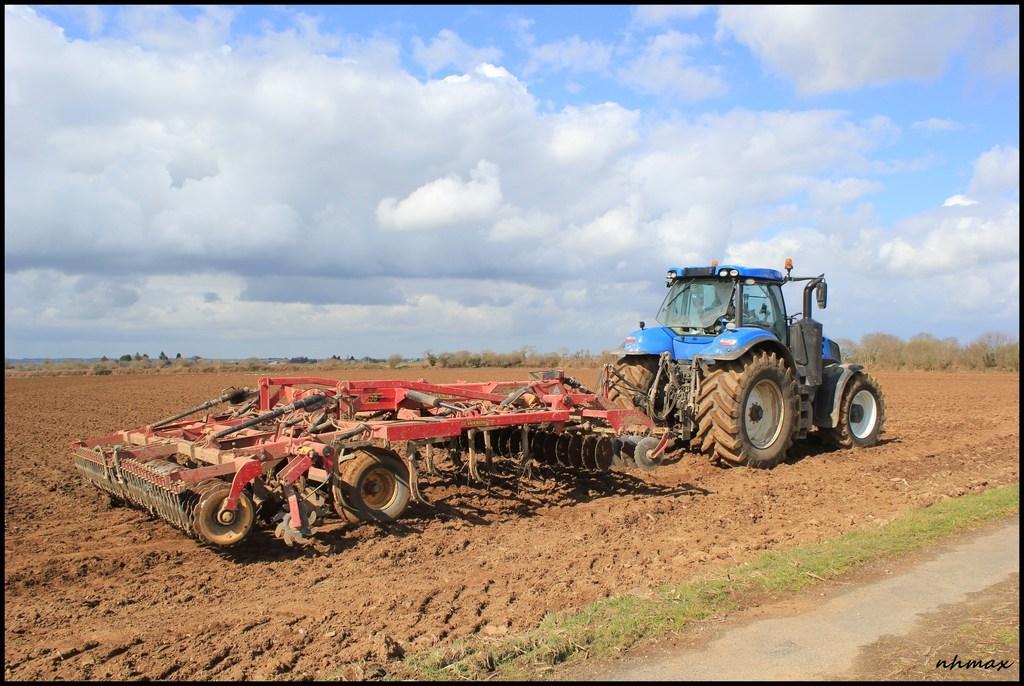Plantation pomme de terre 2016 chantier n 1 l 39 agriculture le forestier et le tp en bretagne - Periode plantation pomme de terre ...