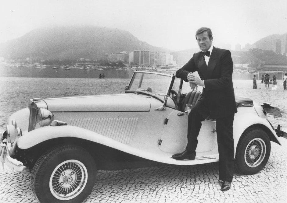Roger Moore MP Lafer James Bond 007 Brazil Rio de Janeiro Copacabana
