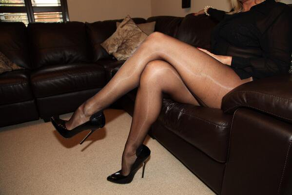 Glossy shiny pantyhose galleries