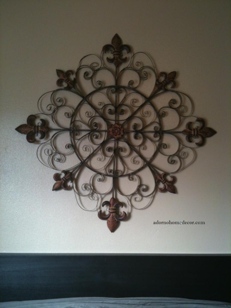 large unique fleur de lis round metal wall rustic scroll decor antique vintage ebay. Black Bedroom Furniture Sets. Home Design Ideas