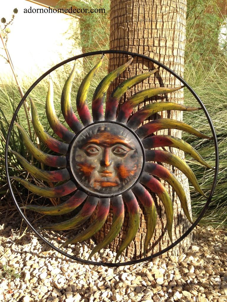 Large round metal sun wall decor garden art indoor outdoor for Daylight designs metal garden art