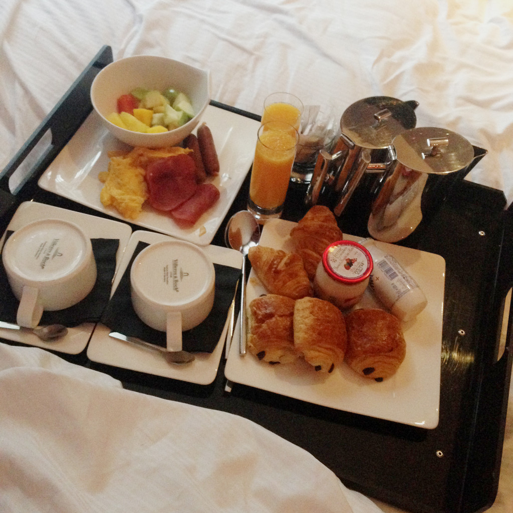 petit déjeuner hôtel paris félicien
