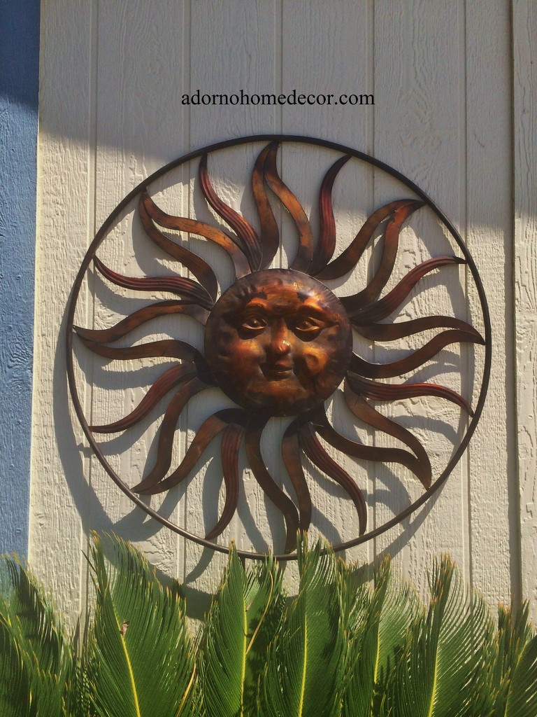 Large round metal sun wall decor rustic garden art indoor for Outdoor wall art