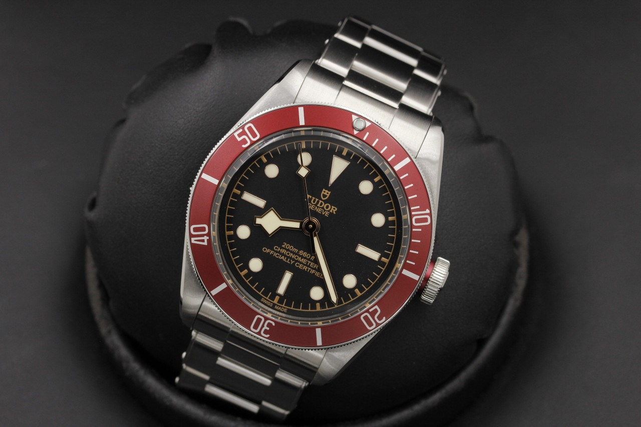 us pre owned tudor heritage black bay in house movement red bezel 79230r new in box. Black Bedroom Furniture Sets. Home Design Ideas