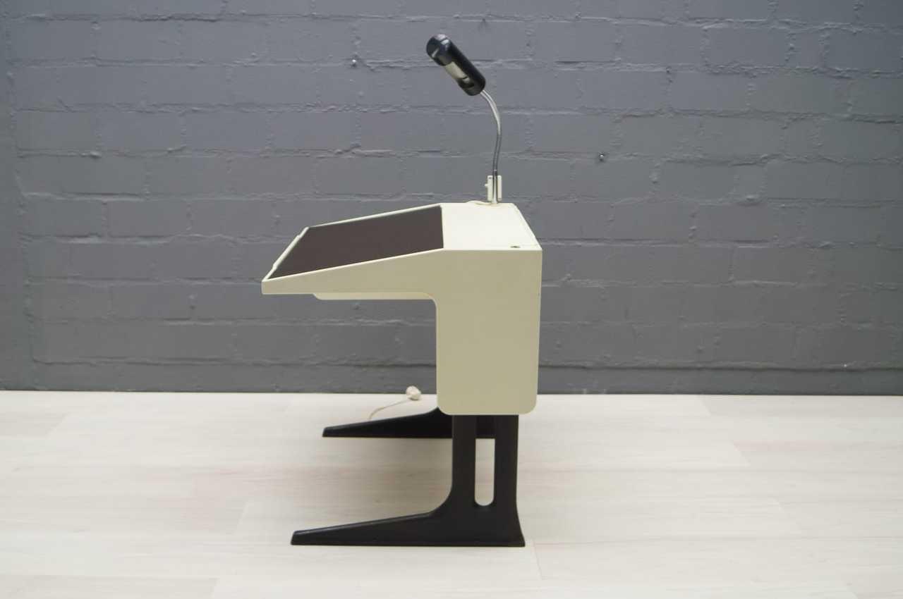 Luigi colani mitwachsender schreibtisch mit original lampe fl totto 60er 70er ebay for Mitwachsender schreibtisch
