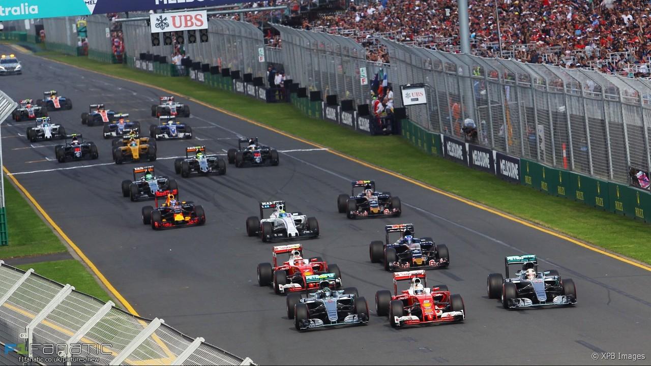 F1 2016 Australian GP Start