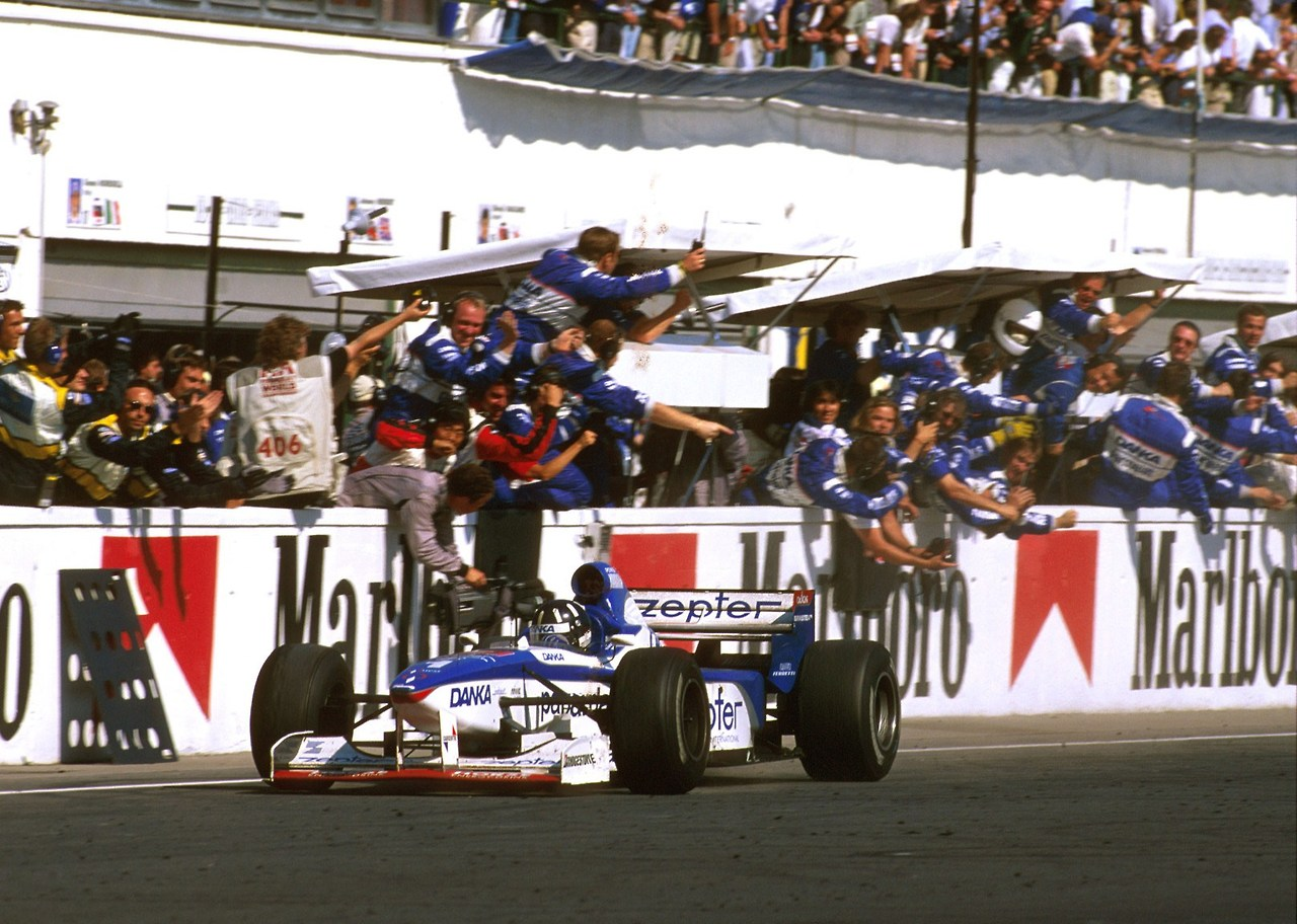 F1 1997 Hungary GP - Damon Hill takes the checkered flag