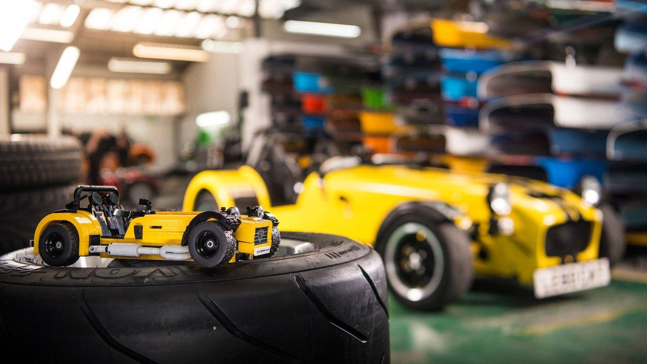 LEGO Caterham 620R Set
