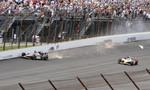 2011: J. R. Hildebrand tenta ultrapassar Charlie Kimball na última curva da última volta, mas perde o controle do carro e colide no muro. Dan Wheldon conquista a vitória.