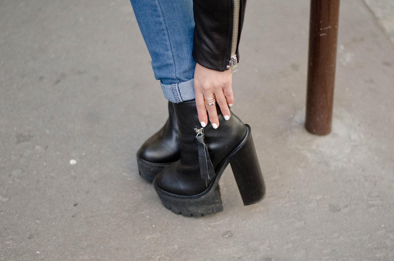 black boots jeffrey campbell