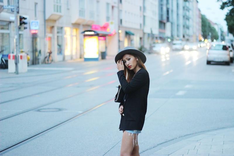 short en jeans noir levis
