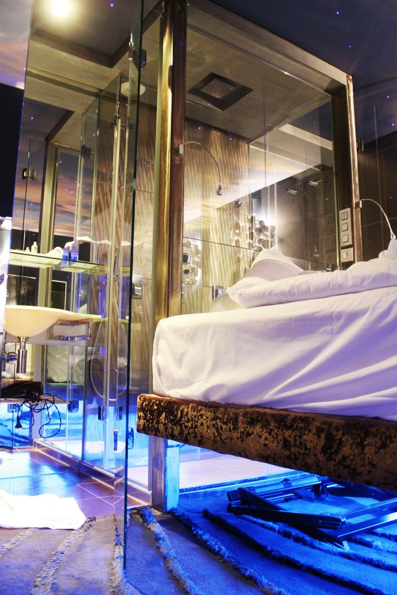 lit suspendu seven hotel paris