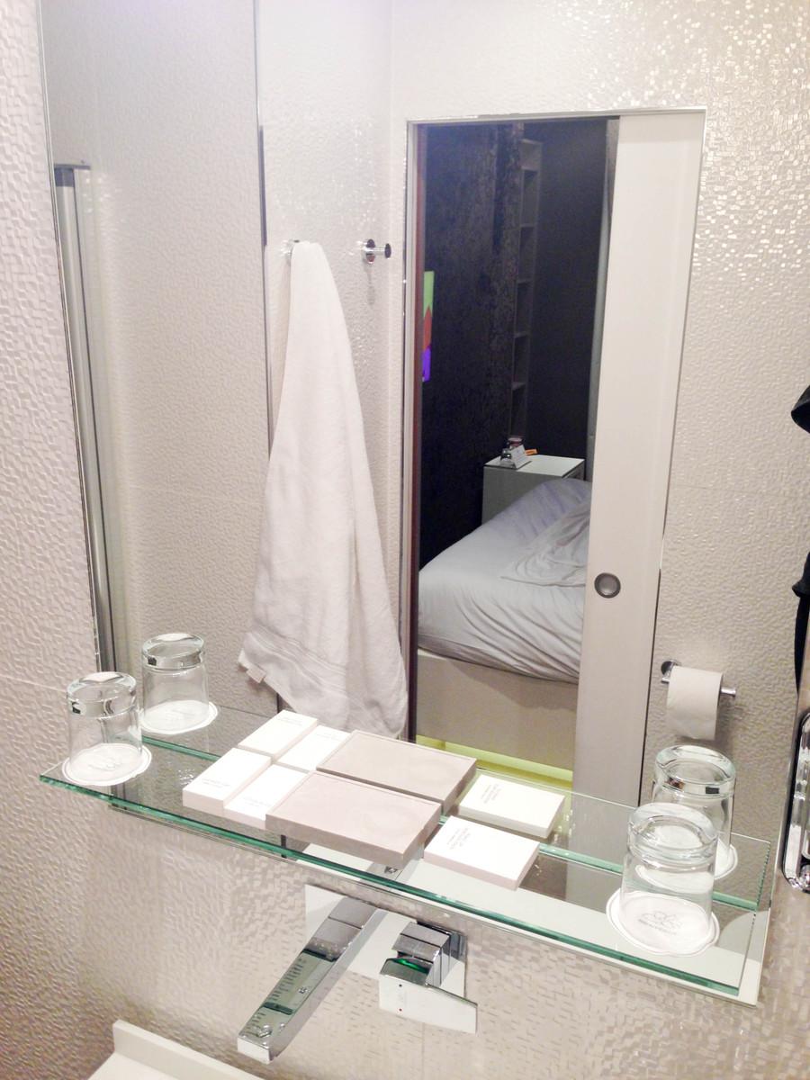 salle de bain douche Legend Hôtel