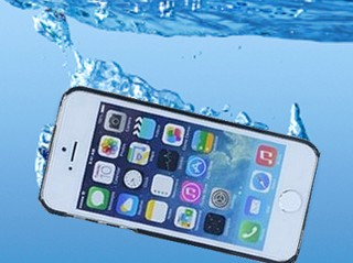 iPhone Dropped In Water What To Do?