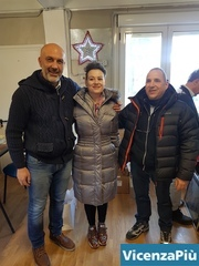 Sindaco di Amatrice, la rappresentante di IsraAID e un dipendente della Unione Comunità Ebraiche Italiane (UCEI). Foto IsrAID