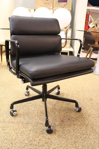 Eames Soft Pad Management Chair Black Leather Herman Miller Design Within Rea