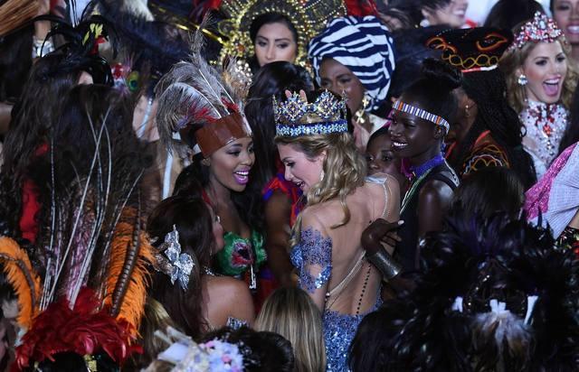 Fotos de Mireia Lalaguna, Miss Mundo 2015