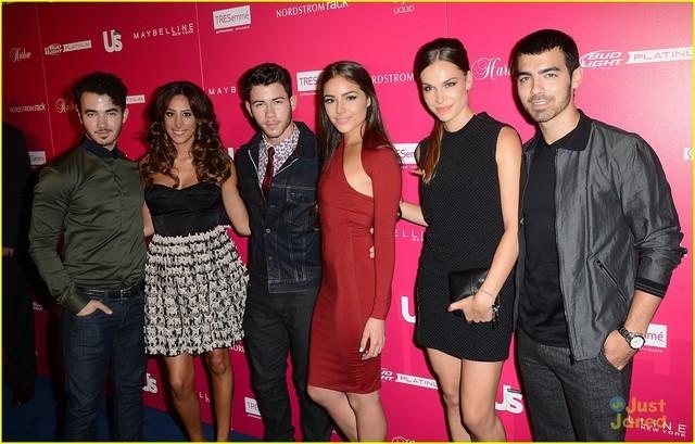 Fotos de Los Jonas Brothers y sus novias