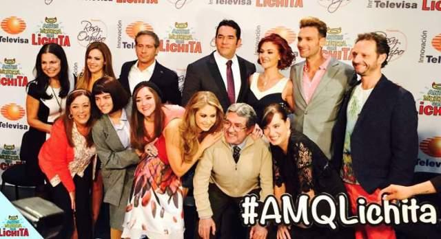 Foto del elenco de Antes muerta que Lichita en la presentación de la telenovela