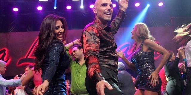 Manuel Landeta bailando