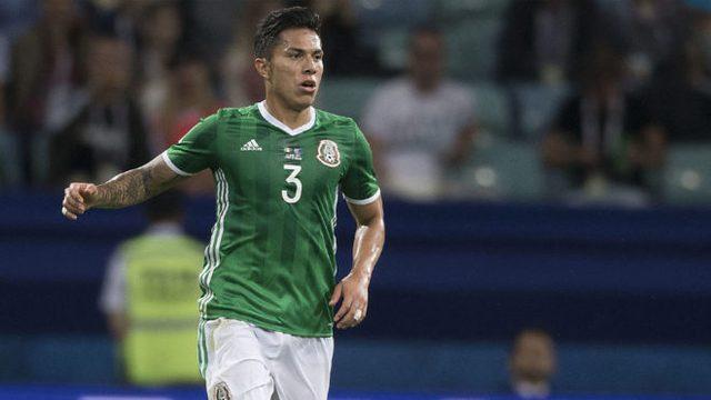 Carlos Salcedo tendrá tres meses de baja
