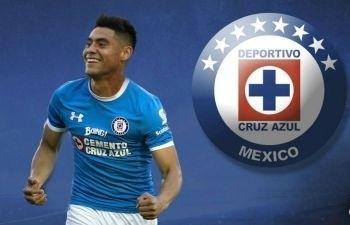 Mora tuvo sus primeros minutos con Cruz Azul
