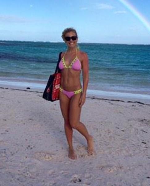 Anna Kooiman in Bikini on Bondi Beach Pic 13 of 35