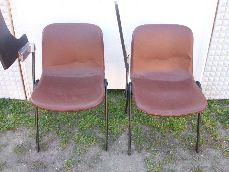 Coppia poltroncine anni 60 in pelle con tavoletta in legno reclinabile vintage ebay for Poltroncine in pelle