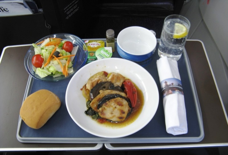 Goodbye to hot food in euro traveller on lhr band 4 s for Cuisine 800 euros