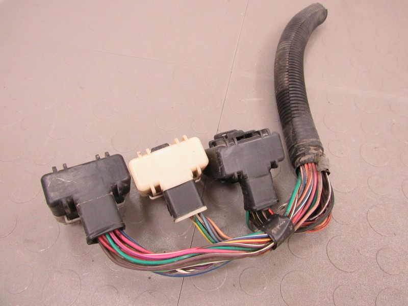 HBCj3y 01 express van ecm wire harness 2000 chevy silverado engine wiring Wire Harness Assembly at gsmx.co