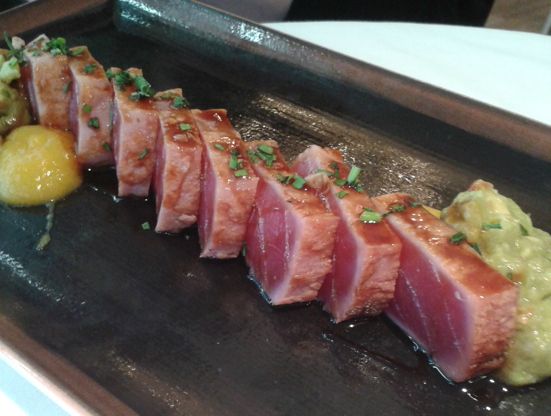 2014 Travel Review: Seared Tuna at La Mary, Barcelona | Todd's Travels Travel Blog