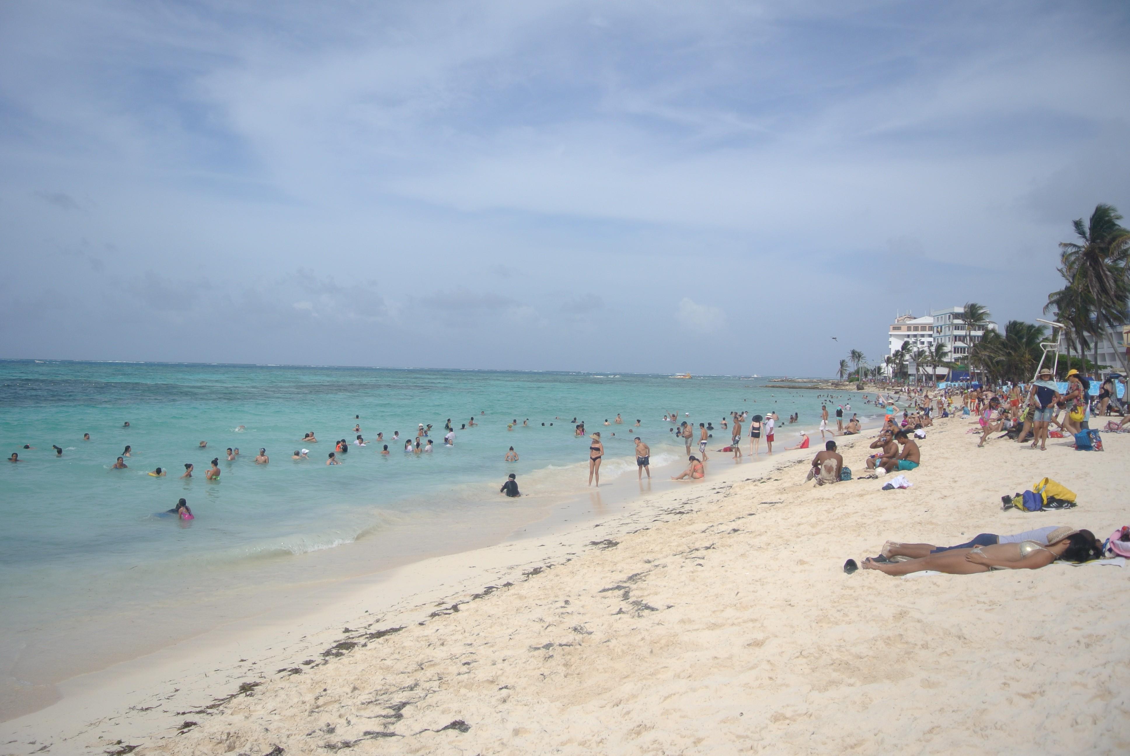 La playa en la isla de San Andres, Colombia