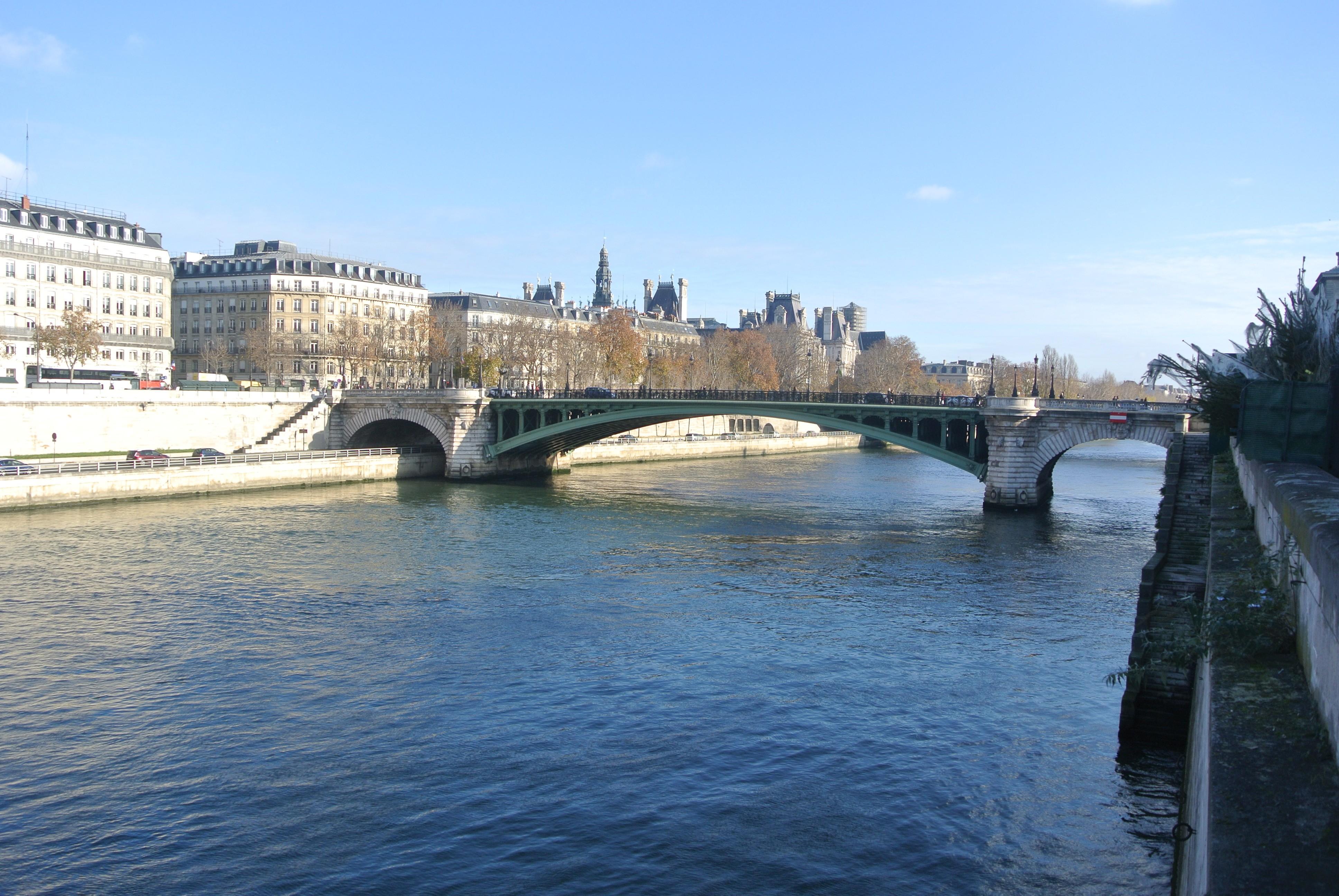 River Seine, Paris | Todd's Travels Travel Blog
