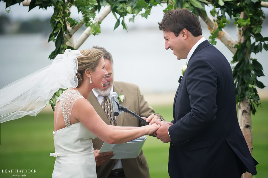 Wedding pictures of outdoor ceremony at Wentworth by the Sea Country Club
