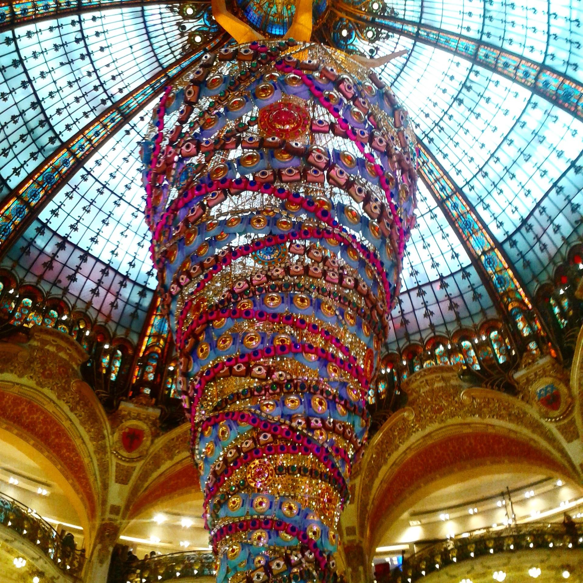 Upside down Christmas Tree, Galeries Lafayette, Paris | Todd's Travels Travel Blog