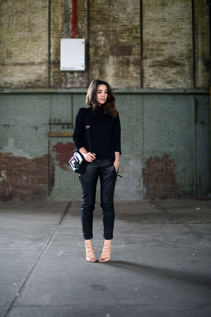 OUTFIT / BLACK AND NUDE | COTTDS