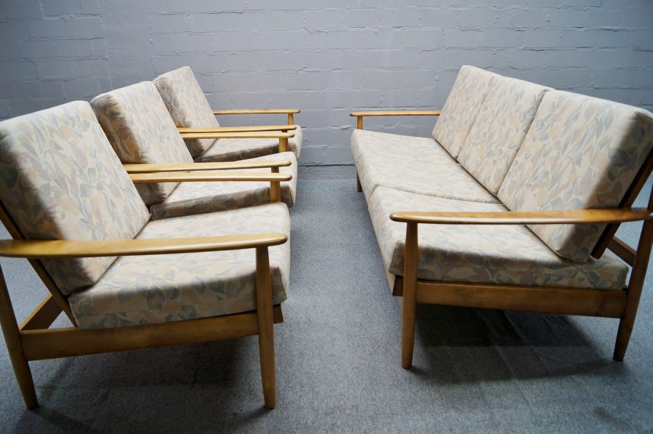 Verstellbare skandinavische sofagarnitur 3er sofa daybed for Skandinavische sofas