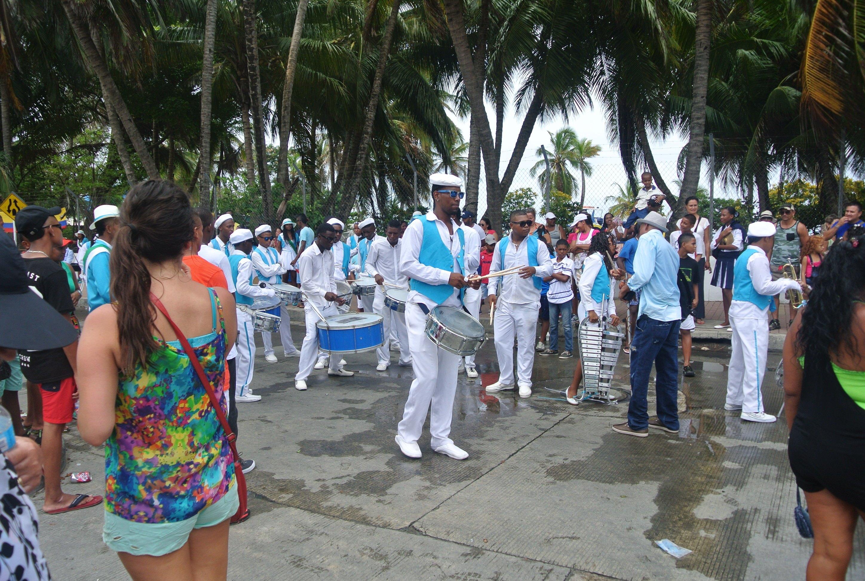 Desfile del dia de independenca en San Andres, Colombia